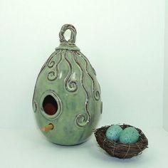 pottery bird house #pottery #bird house #Keramik #Ton #Vogelhaus #Nistkasten #nesting box #ceramics