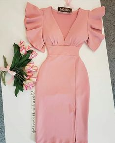 Pin by Patricia rosado on moda y estilo in 2019 Short African Dresses, Latest African Fashion Dresses, African Print Fashion, Short Dresses, Classy Dress, Classy Outfits, Elegant Dresses, Cute Dresses, Dresses Dresses