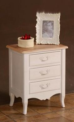refinished nightstand in diy chalk paint before and after. Black Bedroom Furniture Sets. Home Design Ideas