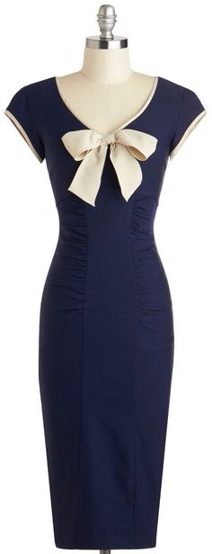 Sheath a Lady Dress in Navy