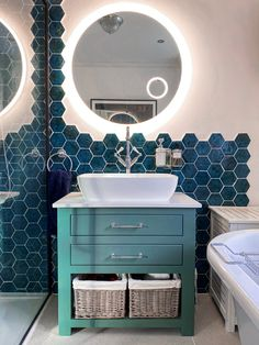 Home Decor Outlets Bathroom Inspiration : frowhome ⠀ The Definitive Source for Interior Designers Rustic Bathroom Designs, Best Bathroom Designs, Bathroom Ideas, Bathroom Inspo, Bathroom Vanity Units, Family Bathroom, Master Bathroom, Bespoke Furniture, Home Decor Outlet