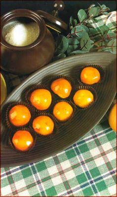 Yemecillas Acarameladas Ingredientes •10 yemas de huevo •1/4 kg. de azúcar granulada •3 tazas de azúcar impalpable •1/2 cucharadlta de cognac u otro licor