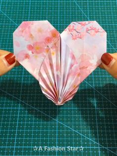 Are you looking for easy Paper Craft Ideas to do with you kids? We collected 10 easy and fun DIY Ideas for you and your kids videos 10 Easy Paper Craft Ideas – DIY For Kids - Paper Heart Diy Origami, Paper Crafts Origami, Easy Paper Crafts, Diy Arts And Crafts, Diy Paper, Fun Crafts, Diy Home Crafts, Paper Flowers Craft, Flower Crafts
