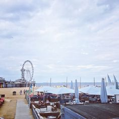 Den Haag Scheveningen Beach The Netherlands. Packed with cosy and hot beach-restaurants, very large beach 🌊 2017. The pier.