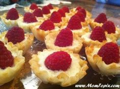 Brie with Fresh Raspberry- fantastic finger food for baby shower or party via MomTopix.com