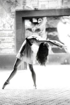 this reminds me of lyrical dance and I just love the movement of it