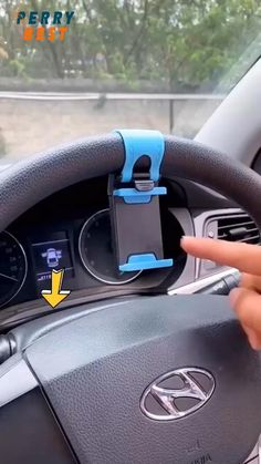 Auto Gif, Cute Car Accessories, Car Interior Accessories, Mobile Accessories, Jeep Wrangler Accessories, Bmw Autos, Cute Cars, Cool Things To Buy, Truck Accessories