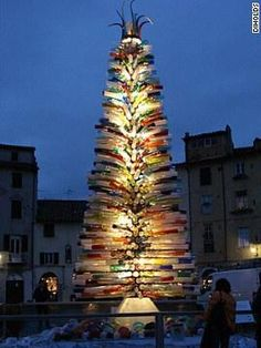 Beautiful Christmas Lights Around the World: Lucca, Italy - one of my favorite places in Italy Beautiful Christmas Trees, Glass Christmas Tree, Noel Christmas, Christmas Lights, Christmas Decorations, Xmas, White Christmas, Christmas Displays, Outdoor Christmas