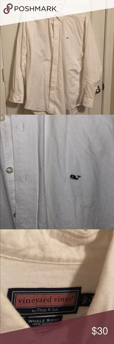 Men's vineyard vines button down In great condition no rips or stains just a small embroidery on the cuff Vineyard Vines Shirts Casual Button Down Shirts