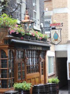 Ye Olde Mitre an historic London pub London Neighborhoods, London Pubs, London City, Uk Capital, Hatton Garden, Jewellery Quarter, British History, The Neighbourhood, Victorian