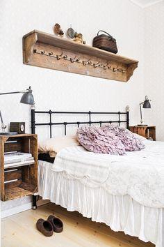 yöpöytä,puulaatikko,tee itse,edulli,makuuhuone