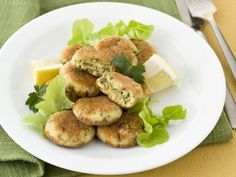 Polpette di sgombro alle olive Fett, Olive, Salmon Burgers, Chicken, Ethnic Recipes, Cooking, Vegetarian, Kitchen, Brewing