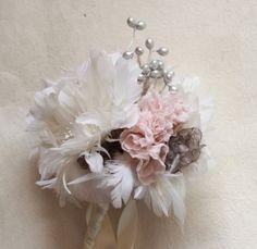 DIY wedding flower tutorials from Jewel Box Ballerina + GIVEAWAY! | Offbeat Bride