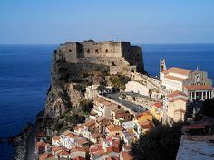 Scilla, Calabria,Italy - the castle. 38°15′00″N 15°43′00″E