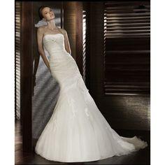 Organza Strapless Straight Neckline Applique Mermaid Silhouette in Chapel Train Luxurious Elegant Wedding Gown WD-0528