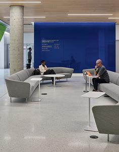 Furniture Lounging Arper - The Box Corporate Office Design, Corporate Interiors, Office Interiors, Bank Interior Design, Home Wet Bar, Office Lounge, Office Reception, Clinic Design, Lounge Design