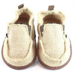 World famous adorably styling baby shoes that actually stay on. Constructed of Hemp & Jute upper with terry cloth lining. Non-slip printed sole on sizes NB &3-6 mand flexible EVA non-slip sole on sizes 6-12 months.  Comes in a Recycle paper gift box. Vegan friendly construction  [ NineAndAHalfMonth... ]  #babycruisers www.nineandahalfmonths.com