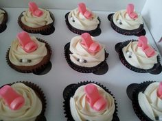 girlie diva cupcakes Diva Cupcakes, Sweets, Desserts, Food, Sweet Pastries, Meal, Gummi Candy, Candy Notes, Deserts