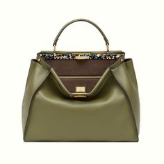Discover Fendi's luxury bags and other luxury goods. Shop for Fendi's bags on the official website. Fendi Peekaboo Bag, Cuir Nappa, Green Leather, Leather Bag, Fendi Bags, Beautiful Handbags, Luxury Bags, My Bags, Women's Handbags