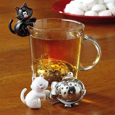 Kitten Tea Cup Infuser and other lovely presents for cat lovers