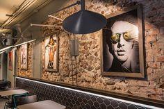 BLOOM CAFE' - Piazza Erbe - Verona - studioenricopasti // Photo: Tiziano Cristofoli