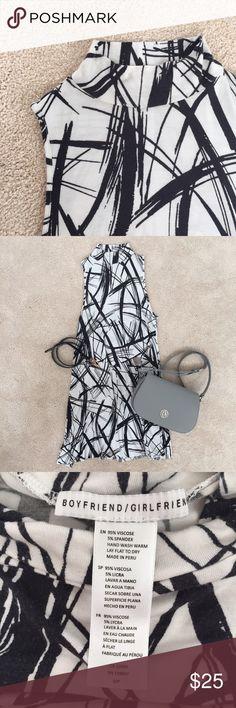 Unique splash black and white cotton dress Has not receive enough love from me. Super comfy and unique cotton dress. Fits like 00/0/2. Got it @Nordstrom. Boyfriend/Girlfriend Dresses Midi