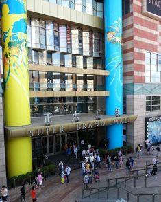 "Super Brand Mall! The Chinese actually says ""Real Big Plaza/Square/Mall"". #shanghai #china #shopping #malls #asiatravel #asia #travelchina #asiangirl #travel #wanderlust #travelgram #instatravel #travellinggeek #travellife #wanderer #traveler #travelingcouple #traveltheworld #aroundtheworld #roamtheplanet #travelphotography"