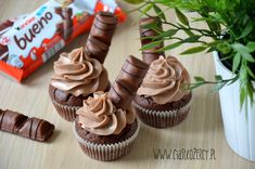 Muffinki Kinder Bueno Muffinki Kinder Bueno The post Muffinki Kinder Bueno appeared first on Kinder ideen. Food Porn, Baby Puree, Mini Cupcakes, Cake Cookies, Cooking Time, Vegan Recipes, Food And Drink, Sweets, Candy