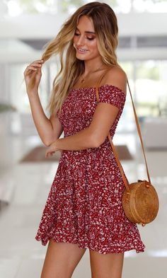 Better With You Red Floral Pattern Short Sleeve Off The Shoulder Skater Flare Casual Mini Dress Source by Dresses Casual Dress Outfits, Casual Summer Dresses, Cute Summer Outfits, Girly Outfits, Short Dresses, Mini Dresses, Street Looks, Mini Robes, Mini Vestidos