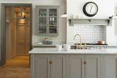 Mid Grey Kitchen Cupboards - Via Devol Kitchens Devol Shaker Kitchen, Devol Kitchens, Home Kitchens, Shaker Style Kitchens, White Shaker Kitchen, Kitchen Living, New Kitchen, White Grey Kitchens, Kitchen Island Against Wall
