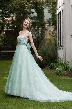 #BTNNV182 #NOVARESE #green #white #dress #weddingdress #wedding #colordress #ノバレーゼ #グリーン #白 #ガーデン #カラードレス #ウエディング #エンパイア #エンパイアドレス