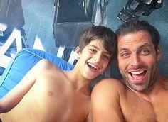 """Henri Castelli posta foto com o filho, Lucas: """"Meu melhor amigo"""""""