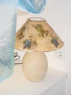 Лампа ручной работы «Виноград» http://dcpg.ru/mclasses/abazhur2/ Click on photo to see more! Нажмите на фото чтобы увидеть больше! decoupage art craft handmade home decor DIY do it yourself tutorial napkin varnish acrylic paints