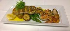 Seafood Grill, Wild Prawn Café, Bar + Grill