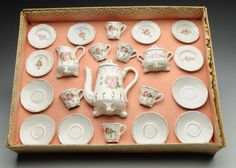 Lot # : 746 - Early German Marklin Child's Tea Set.