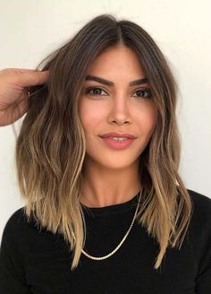 Hair Dreamz Awesome Medium Length Hair Cuts and Hair Color Ideas in 2020 Wrapping wedding favors is Medium Hair Styles For Women, Short Hair Cuts For Women, Short Hair Styles, Hot Hair Colors, Hair Color Shades, Medium Layered Hair, Medium Hair Cuts, Layered Bobs, Straight Thick Hair