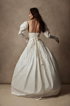 Pastel Gown, Vogue Wedding, What Is Fashion, Silk Taffeta, Dip Dye, Formal Dresses, Wedding Dresses, Pretty Dresses, Bridal Gowns