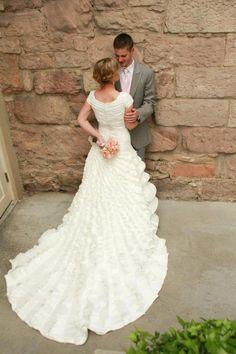 #wedding #dress #sleeves #modest #mormon #lds #temple #flowers #ruffles #cool #photography