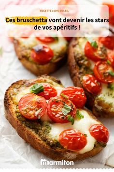 Treat yourself to these delicious bruschetta mozzarella tomatoes for the aperitif or with a good salad Veggie Recipes, Vegetarian Recipes, Healthy Recipes, Bruschetta Tomate Mozzarella, Batch Cooking, Cooking Recipes, Food Porn, Italian Appetizers, Fingers Food