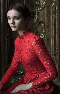 ♥ Romance of the Maiden ♥ couture gowns worthy of a fairytale - Red Valentino