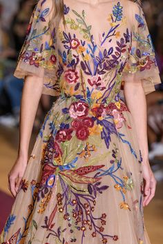 "forlikeminded: ""  Zuhair Murad | Haute Couture | Fall 2016 "" Bonjour, nous sommes Katarina et Violeta. Nous adorons la mode."