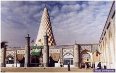 Tomb of Prophet Danyal (upon him be peace) This mausoleum, in the south western city of Susa in Iran is believed to house the tomb of Danyal [Daniel] (upon him be peace). He is best known for the time he spent in a den of lions.