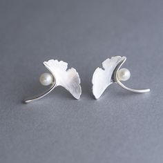 Gingko silver and pearls earrings