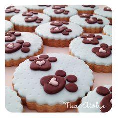 Dog print cookies