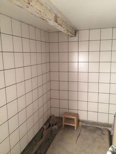 Blev helt ok. Alcove, Tile Floor, Bathtub, Flooring, Bathroom, Design, Fashion, Standing Bath, Washroom