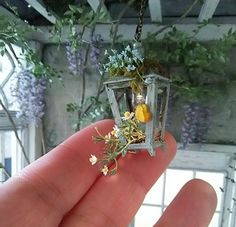 a mini a day — Rosy Dollhouse and Miniature by mamie Fairy Garden Accessories, Dollhouse Accessories, Miniature Plants, Miniature Dolls, Miniature Greenhouse, Miniature Furniture, Dollhouse Furniture, Fairy Furniture, Diy Doll Miniatures