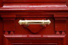 Porte rouge #paris #street #details
