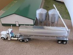 Toy Semi Trucks And Trailers augers | Auger rotates up and down and around