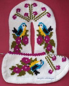 Knitted Slippers, Crochet Chart, Elsa, Panda, Knitting, Holiday Decor, Pattern, Crafts, Crochet Shoes