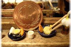 """815 Likes, 4 Comments - Shibazuke Paripari (@shibazukeparipari) on Instagram: """"2月22日は おでんの日。 shibazukeparipariのミニチュア。過去作。 1/12 scale おでん屋台。 10円玉との大きさ比較 #ミニチュア #食品サンプル #ドールハウス…"""""""